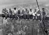 plakat Lunch atop a Skyscraper na podstawie zdjęcia Charles Clyde Ebbets