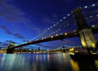 fototapeta z nocnym widokiem na Brooklyn Bridge