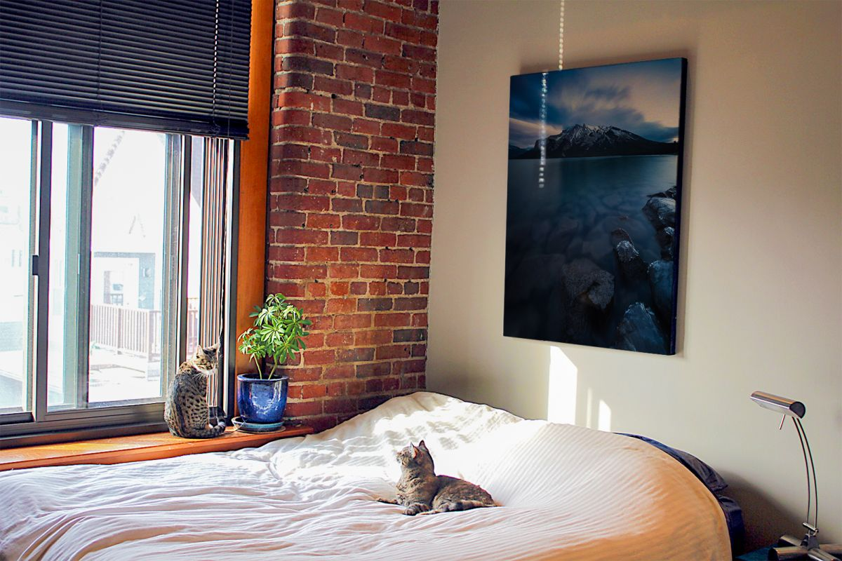 Obraz Lake Minnewanka powieszony w sypialni